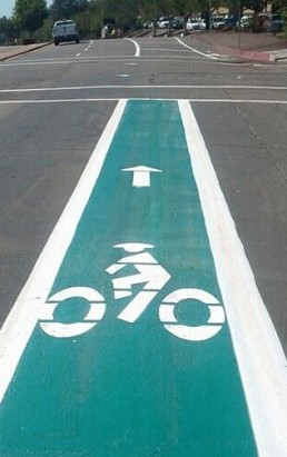 green bike lane photo